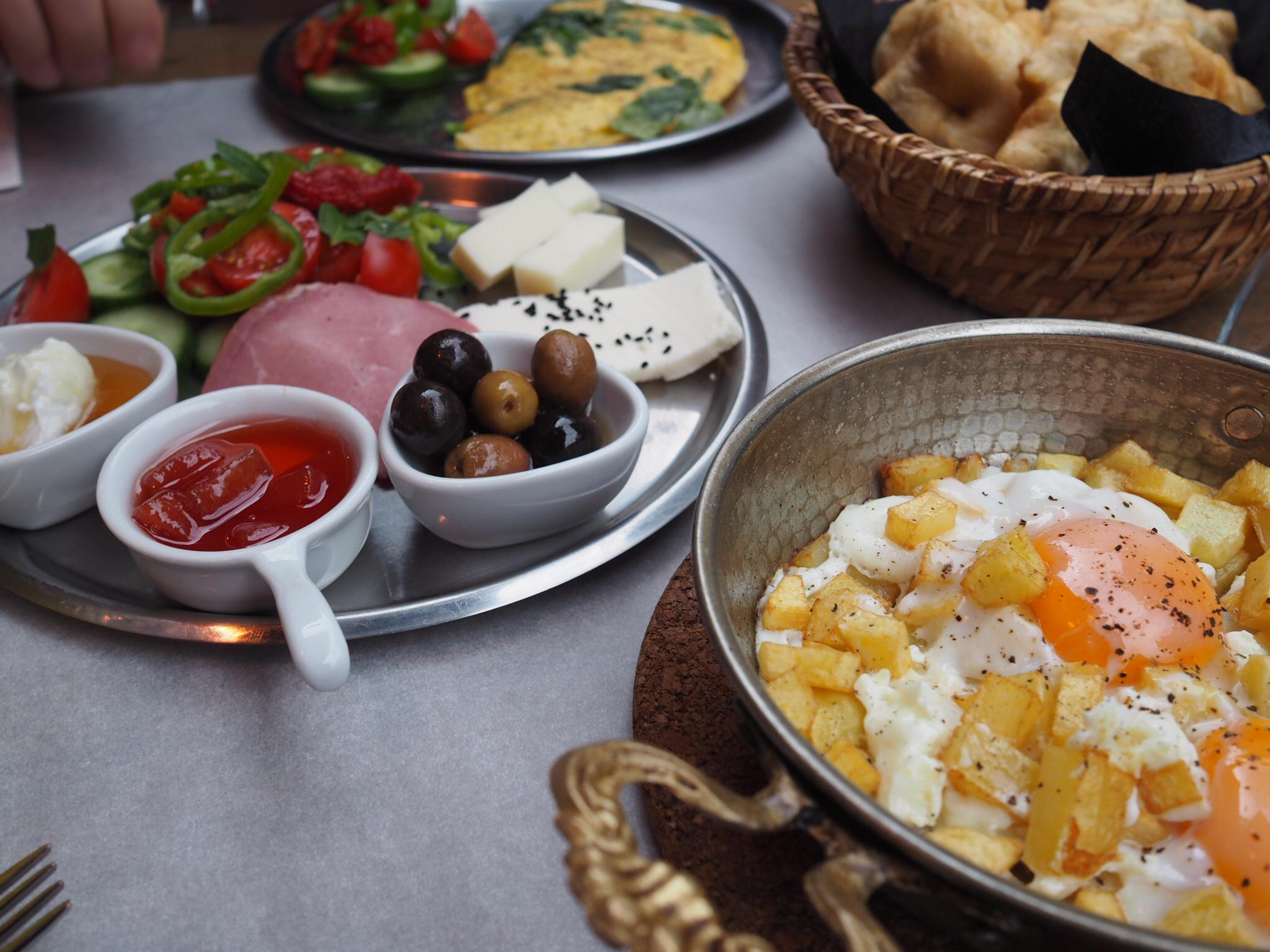 Gakkı - Kahvaltı