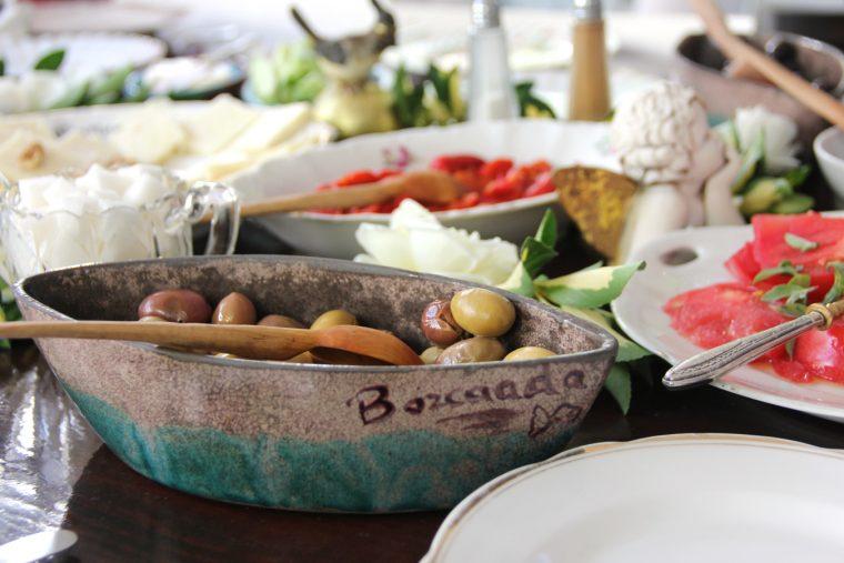 Bozcaada'da Yeme ve İçme Üzerine