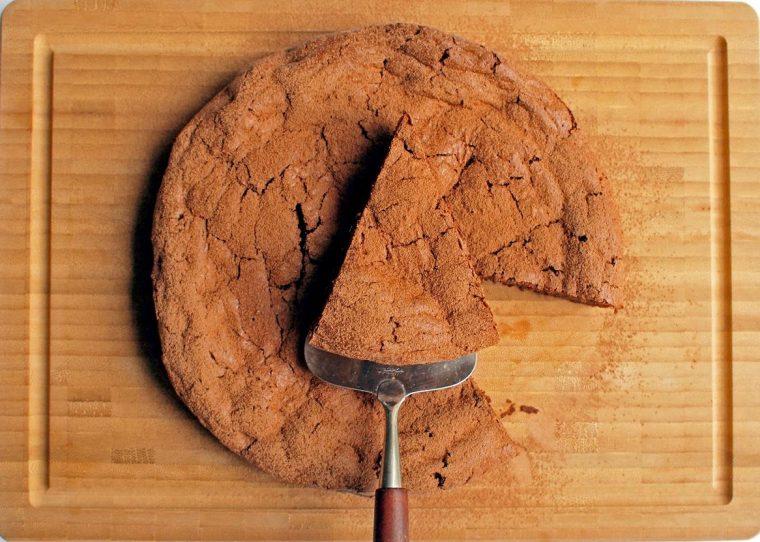 Çikolatalı, Çiğ Kakaolu Hurmalı Kek