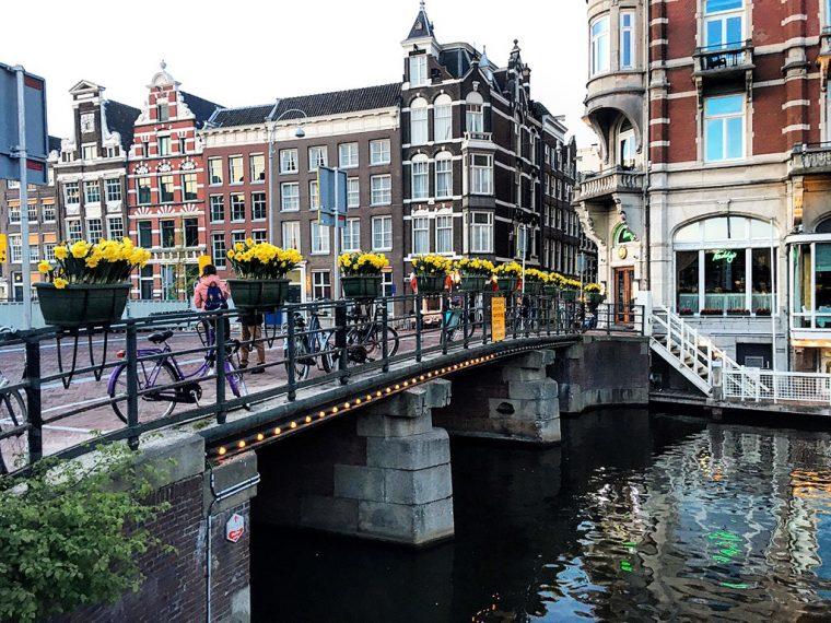 Amsterdam: Kanallar Üzerinde Bir Metropol