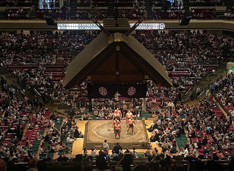 Sumo Güreşleri | Geleneksel Japon Sporu ve Turnuvaları