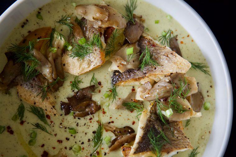 Balık Çorbası - İstiridye Mantarlı Levrek Çorbası