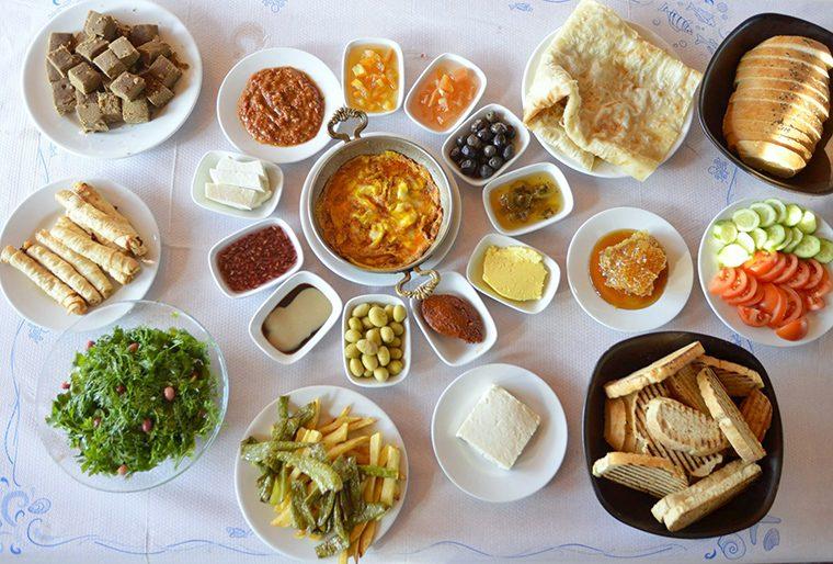 Sinop Gezilecek Yerler | Kahvaltı - Öztürk Restaurant