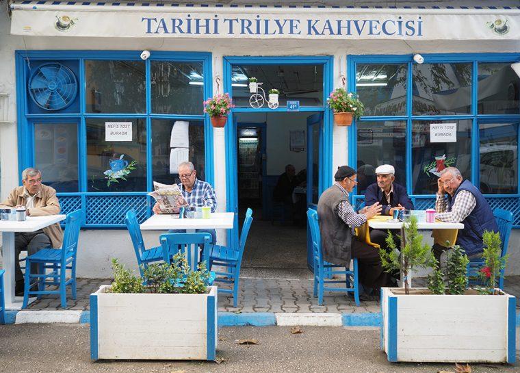 Şehirden Kaçış: istanbula yakın gezilecek yerler - Tirilye Kahvecisi