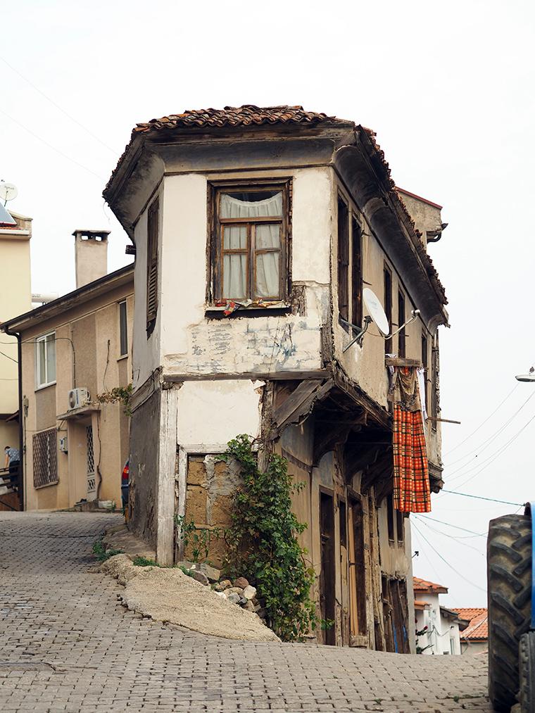 Şehirden Kaçış: istanbula yakın gezilecek yerler - Tirilye Tabut Ev