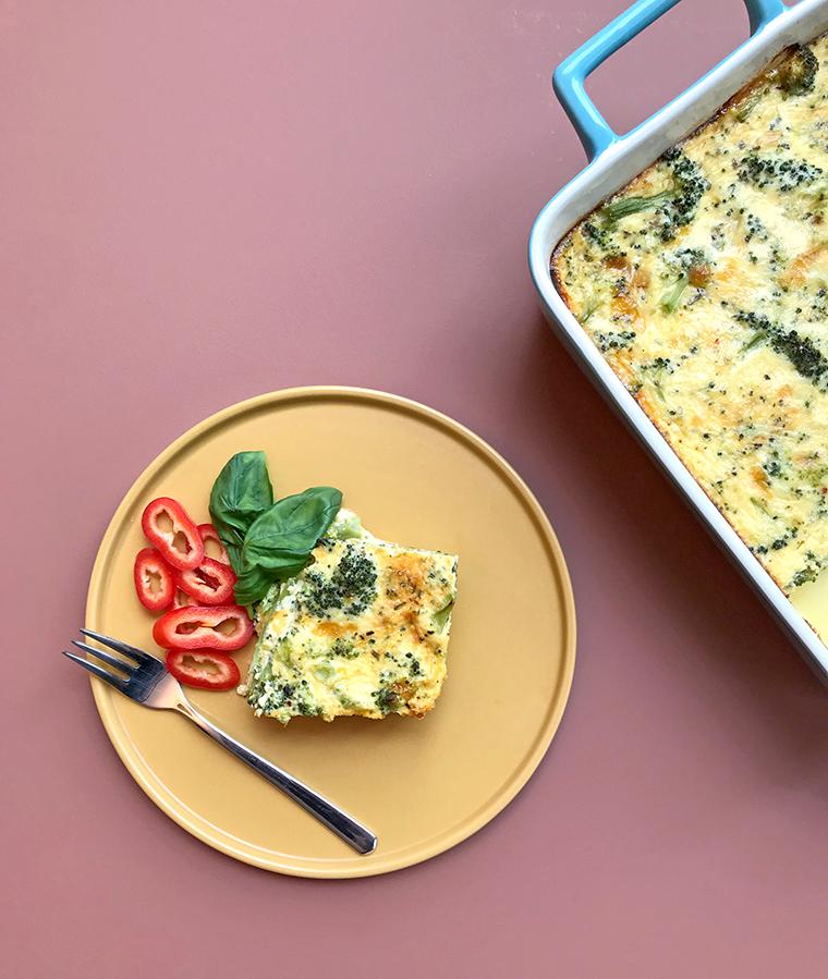 Kahvaltılık Tarifler | Brokoli ve Cheddar Peynirli Hamursuz Kiş
