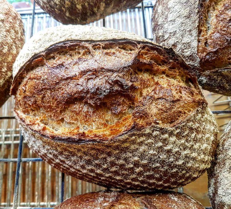 İstanbul'un En İyi Ekşi Maya Ekmek Yapan Fırın ve Atölyeleri | Jüli Bakery