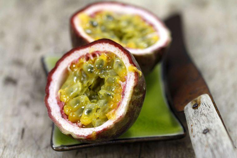 Tropik Meyveler: Antioksidan Kaynağı Görsel Şölen | Çarkıfelek Meyvesi