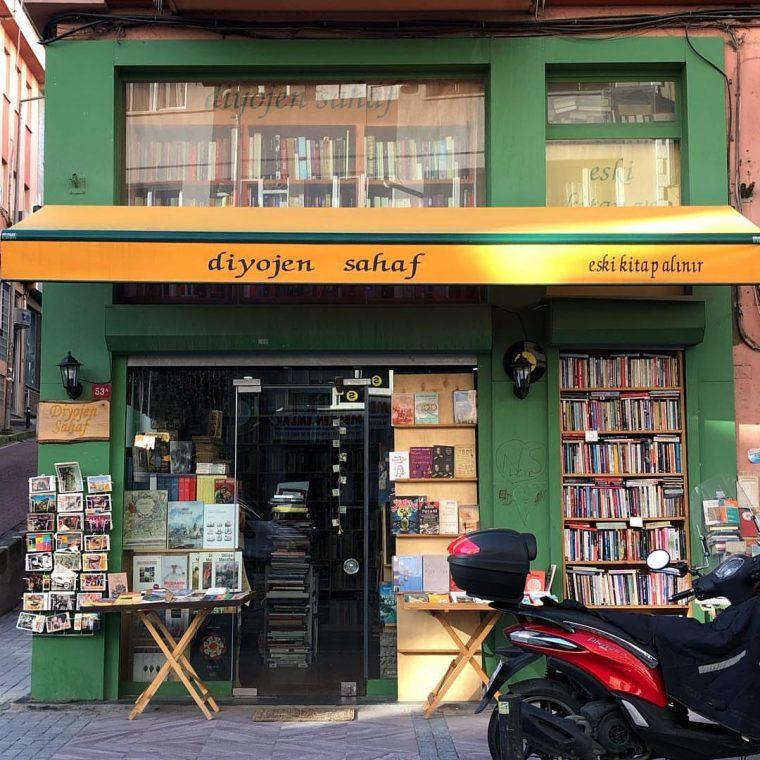 Keşfedilmeyi Bekleyen 10 İstanbul Sahaf ve Çarşısı | Diyojen Sahaf