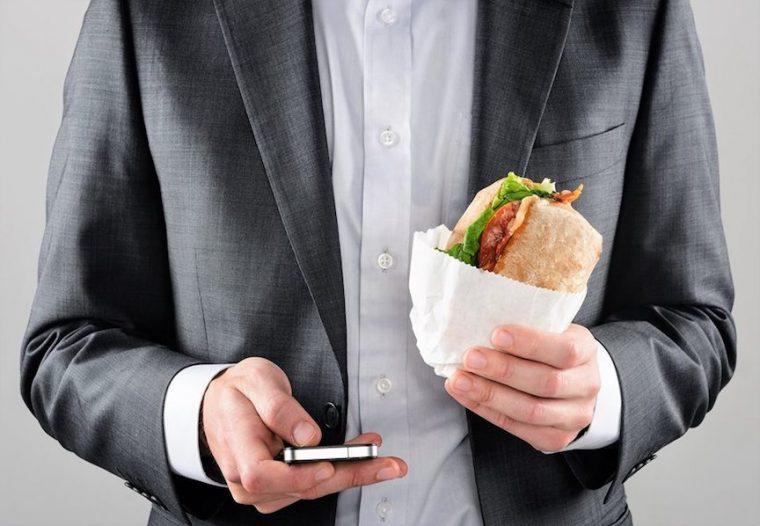 Mindful Eating: Beslenmede Yeni Bir Yaklaşım
