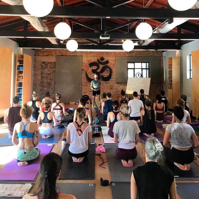Başlamak İçin Geç Değil: Şimdi Yoga Zamanı | Cihangir Yoga