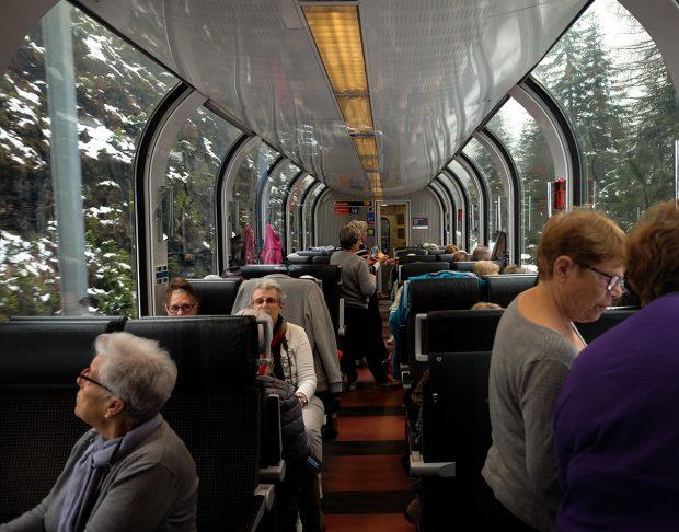 Bernina Express: Alp Dağlarına Tırmanmanın En Karlı Yolu